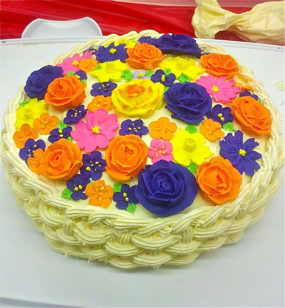 Cake Design Ideas With Flowers : Database Error