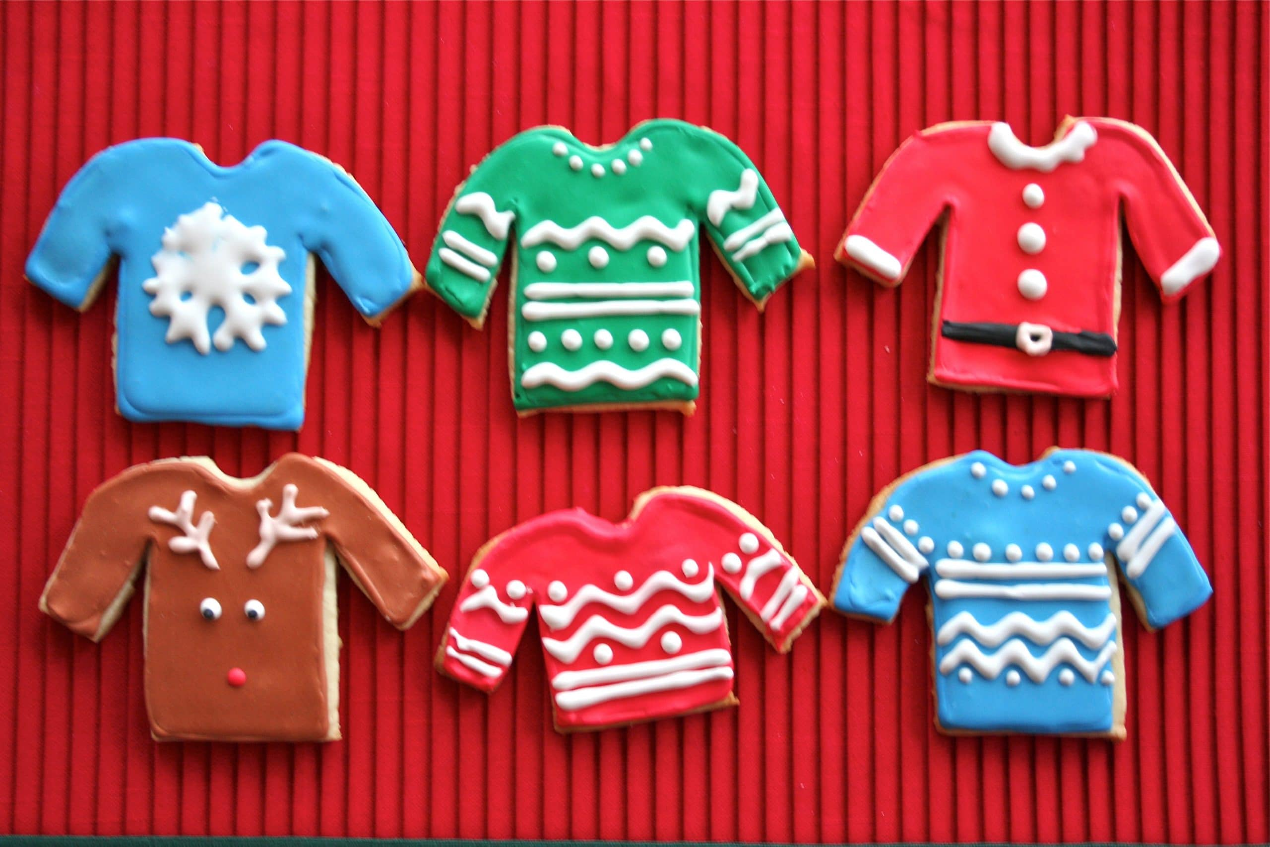 Reindeer And Ugly Sweater Sugar Cookies A Dash Of Megnut