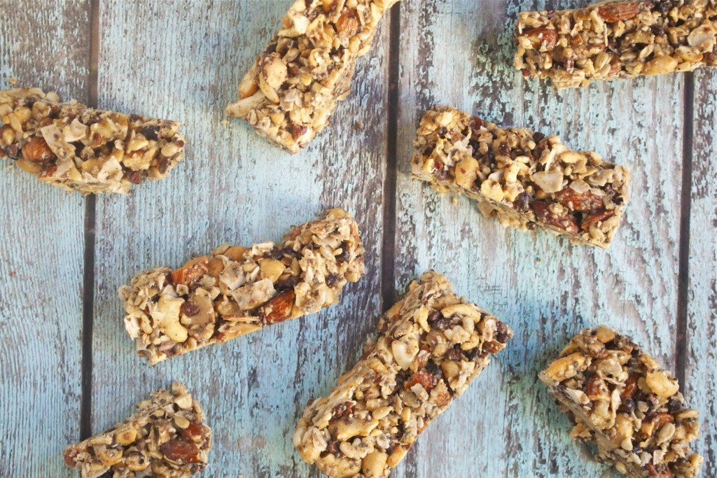 No Bake Grain-Free Granola Bars {gluten-free, dairy-free, refined sugar-free and low-sugar} | A Dash of Megnut