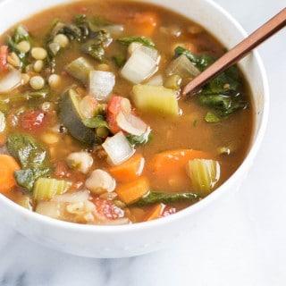 Slow Cooker Vegetable Minestrone Soup (GF, DF, V) - A Dash of Megnut