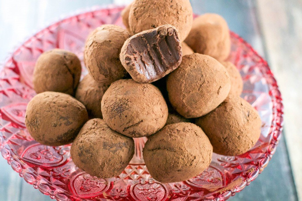 Easy Vegan Chocolate Truffles
