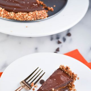Dairy-Free Pumpkin Spice Caramel Chocolate Pie ( GF, DF, V) - A Dash of Megnut